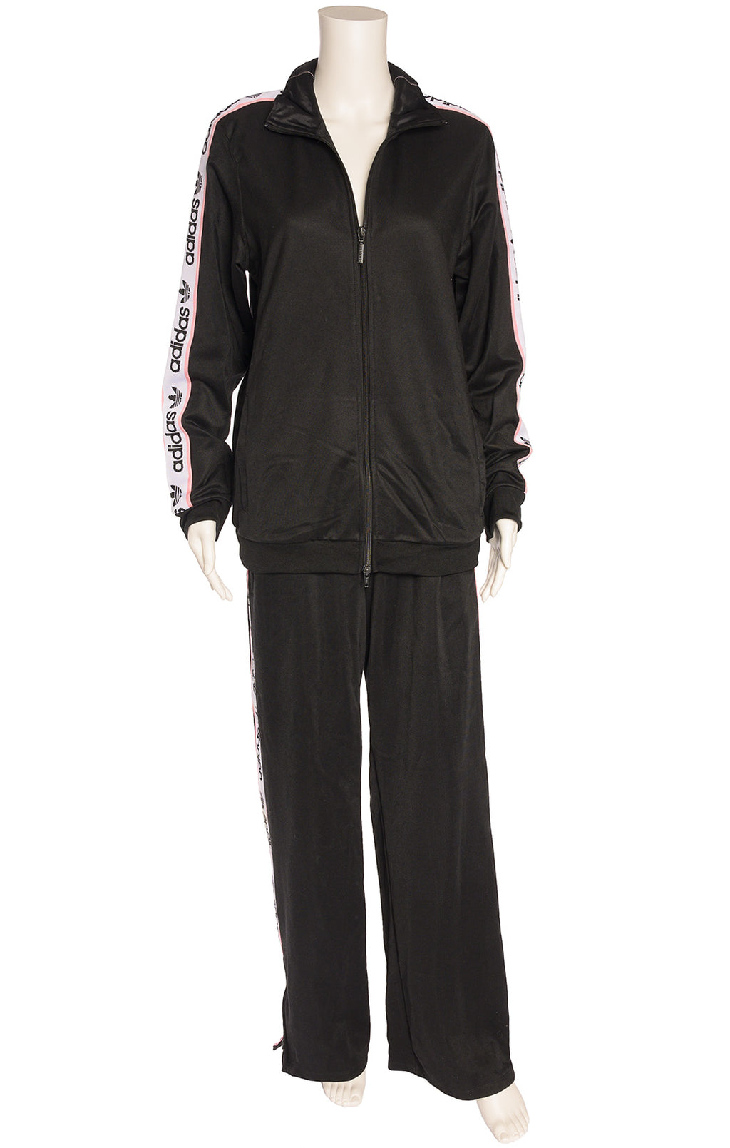 Front view of ADIDAS  Sweat outfit  Size: Medium