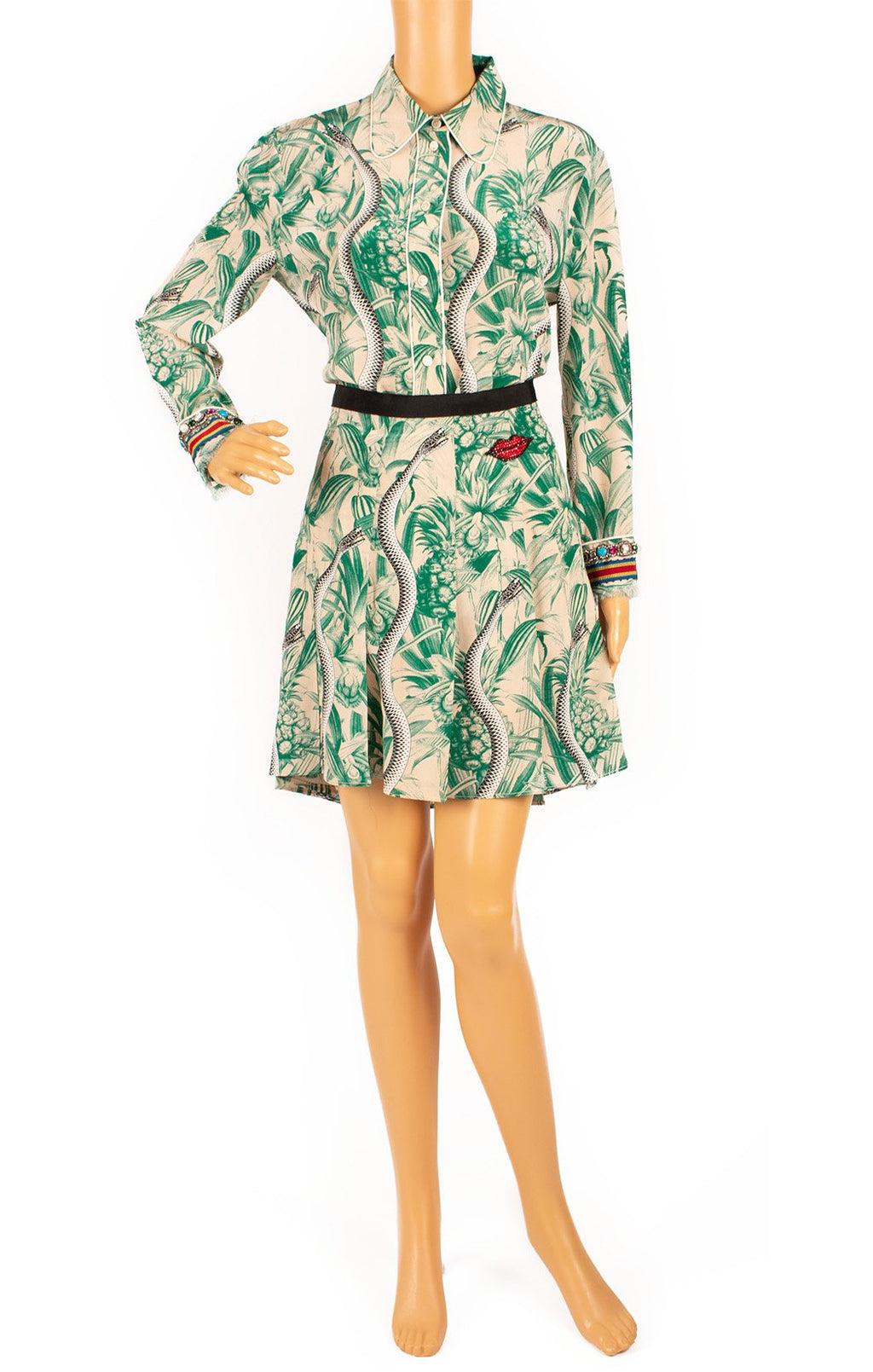 Front view of GUCCI  Matching blouse and skirt Size: Blouse - 44 (comparable to US 8) Skirt - 42 (comparable to US 6)