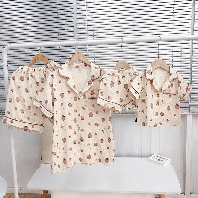 Matching Family Outfits Fashion Strawberry Print Pajamas Sets Mom and Daughter Son Sleepwear Shirts Shorts 2pcs Family Look 2019 - QAS KIDS TORE