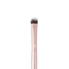 Load image into Gallery viewer,  AirFair Eyeshadow Brush #909 Flat Dome-Shaped Synthetic Fiber