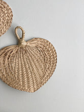 Load image into Gallery viewer, vintage raffia hand fan
