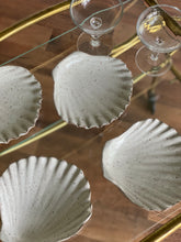 Load image into Gallery viewer, set of vintage stoneware shell dishes
