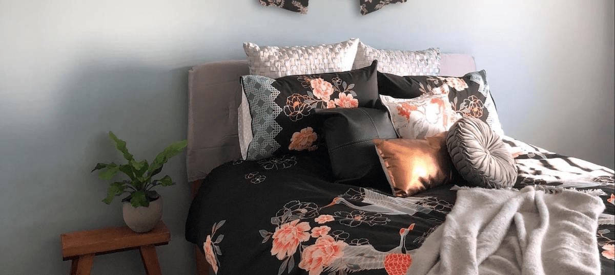 Using a Work of Art to Set a Bedding Theme