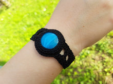 Load image into Gallery viewer, Crochet bracelet with agate gemstone