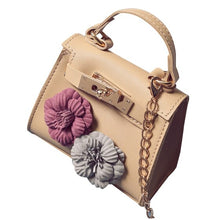Load image into Gallery viewer, Leather Mini Flower Chain Bag