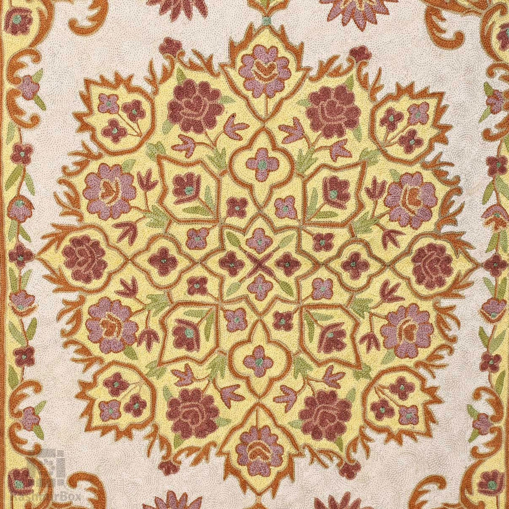 Cream White Daily Vines Chainstitch Wall Rug