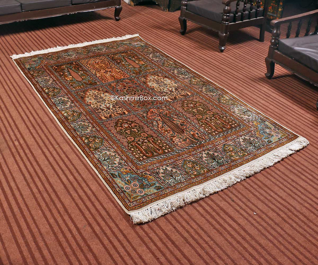 White Hamdan Silk Cotton Carpet