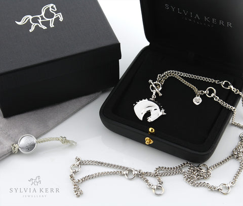 Solid 9ct white gold horse and equestrian styled chain necklace