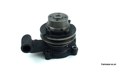 CASE I-H 275/434 /414 WATER PUMP                     G33 B5