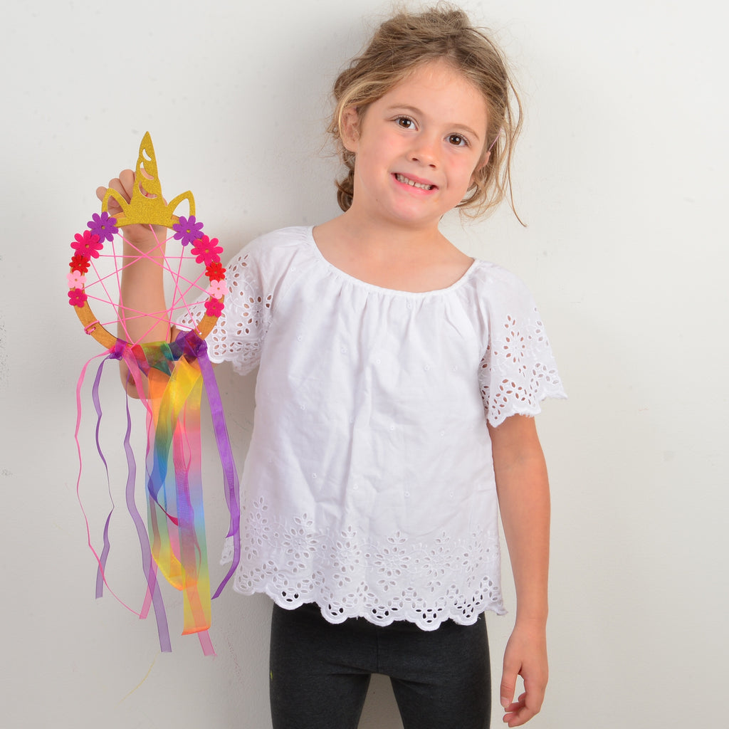 Design your own Magical Unicorn dreamcatcher and bag
