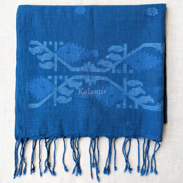 Closer look at the tassels of the Jamdani Stole