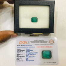 Load image into Gallery viewer, 6.3 Carat Natural Zambian Emerald Engagement Ring Engagement Ring HK Jewellers