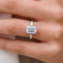 Load image into Gallery viewer, Emerald Cut Baguette Moissanite Wedding Ring Wedding Ring HK Jewellers