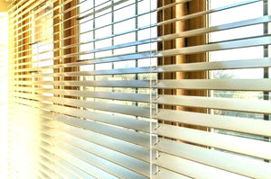 How to clean sticky dusty blinds