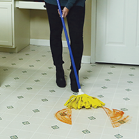 Light and Easy™ Super Cloth Mop w/ 4 piece handle