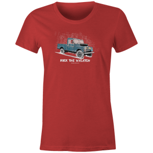 Women's T-shirt - Snowy Land Rover Truck