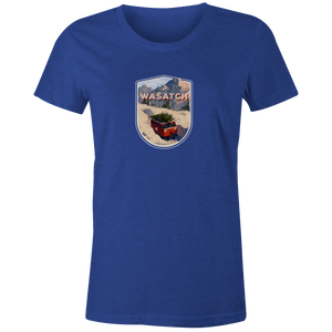 Women's T-shirt - Snowcat Xmas Tree