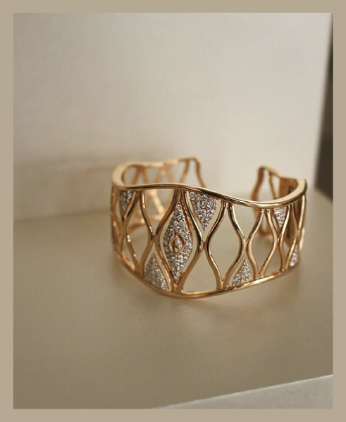 Sara_Weinstock_Fine_Jewelry_International_Womens_Day_Donna_Statement_Cuff