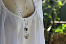 Load image into Gallery viewer, Dandelion Seed Necklace, Wish Necklace, Dandelion Necklace, Friendship Necklace, Real Flower jewelry, Personalized Necklace, Natural Jewelry