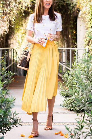 products/Sydne-Style-shows-pleated-skirt-outfit-ideas-for-summer.jpg