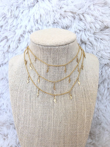 Lightning bolts choker