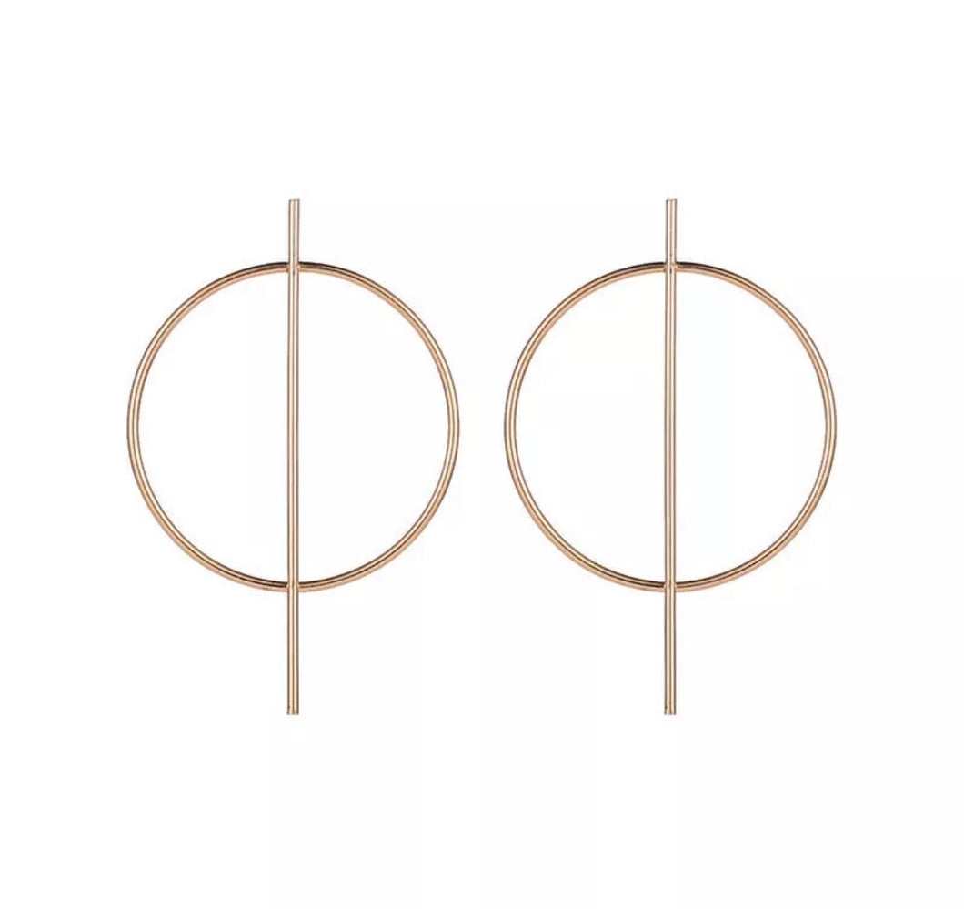Gold bar hoops