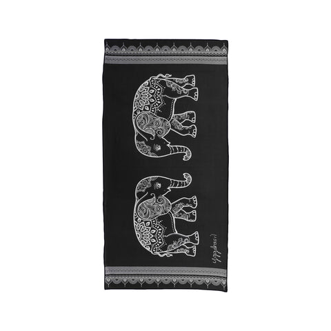 Microfiber sport and yoga towel black & white with print The harmonious mind elephants | Yggdrasil by Sweden mikrofiber handduk med tryck