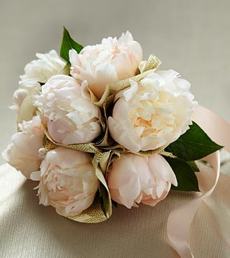 The FTD® Simple Sophistication™ Bouquet