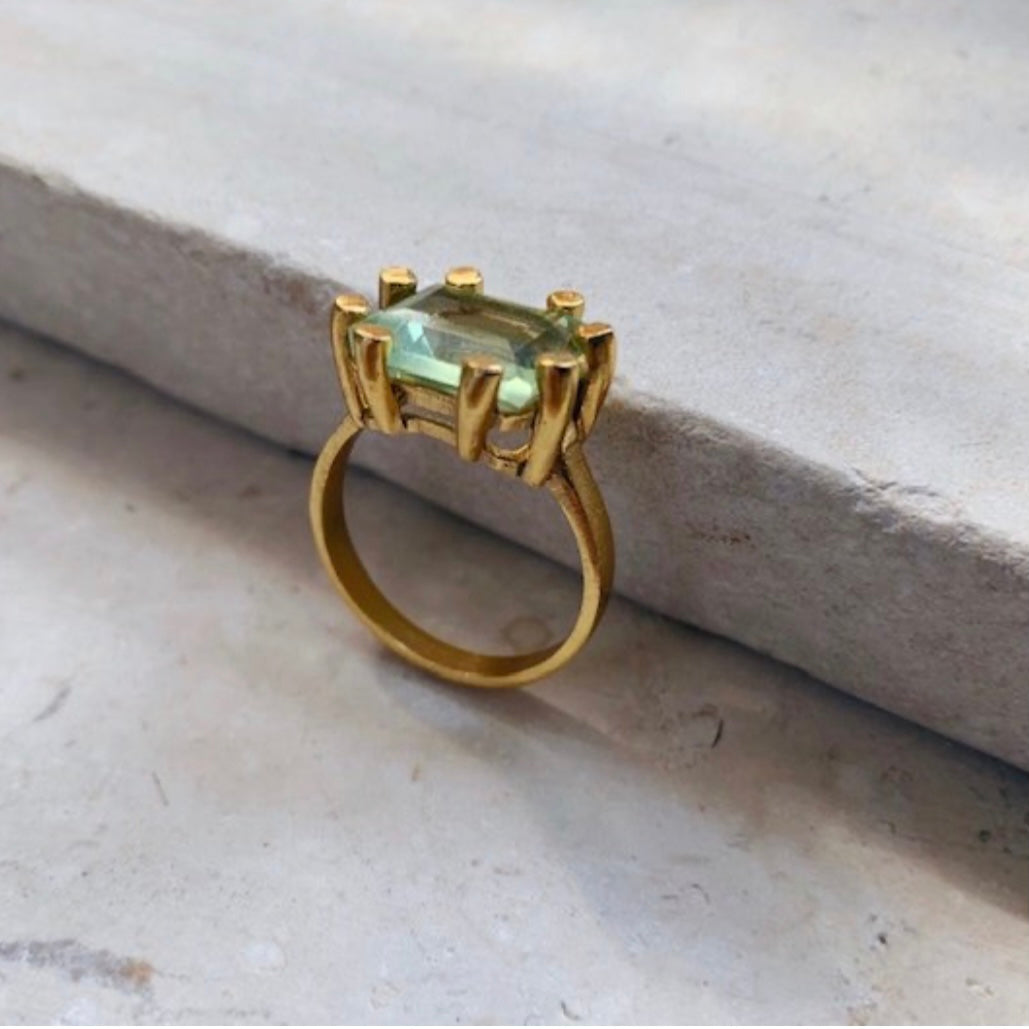 Green Claw Ring