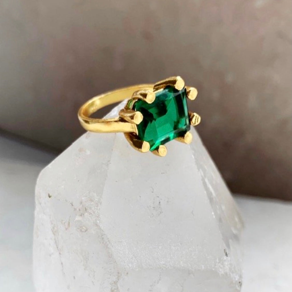 Emerald Green Claw Ring