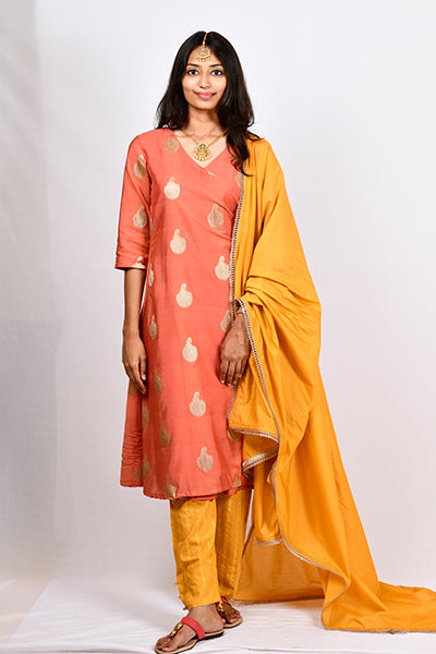 Byogi Soumya collection. This is an Festive Angarakha kurti for women with dupatta and pant.