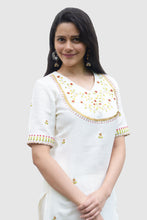 Load image into Gallery viewer, White Floral Buti Embroidered Straight Kurti Set