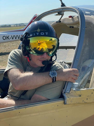 jakob flying with pitot f-14 jolly rogers