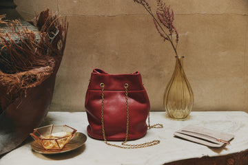 Hobo Jovie Crossbody in Scarlett