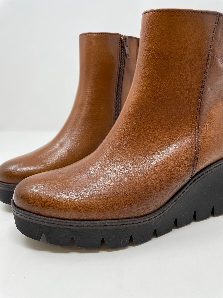 Gabor Leather Wedge Boots in Whiskey