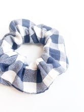 Load image into Gallery viewer, Scrunchie - Navy Plaid