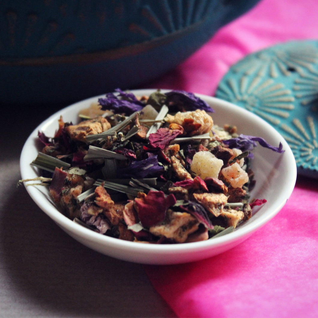 Lomi herbal tea blend