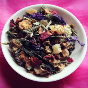 dish of Lomi herbal tea blend