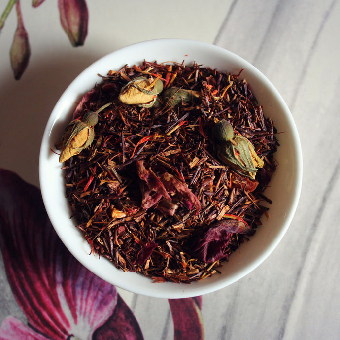 Dish of spicy chilli Rooibos tea