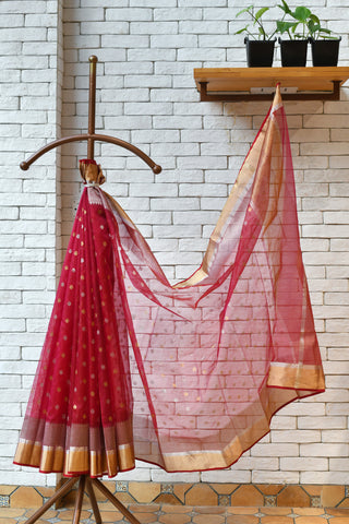 Chanderi Red Handwoven Flower Motif Saree.