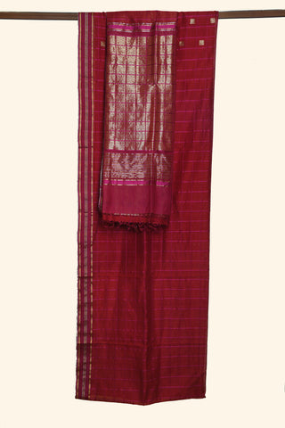 Crimson red maheshwari saree - EARTHICA