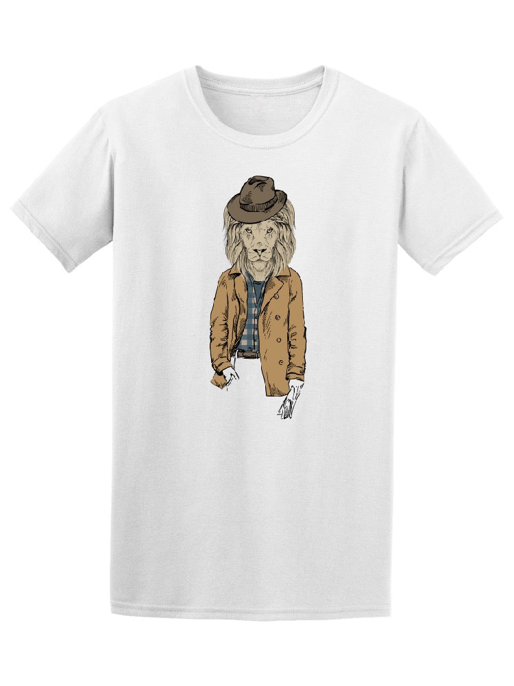 Retro Style Fashion Lion Hat Tee Men's -Image by Shutterstock