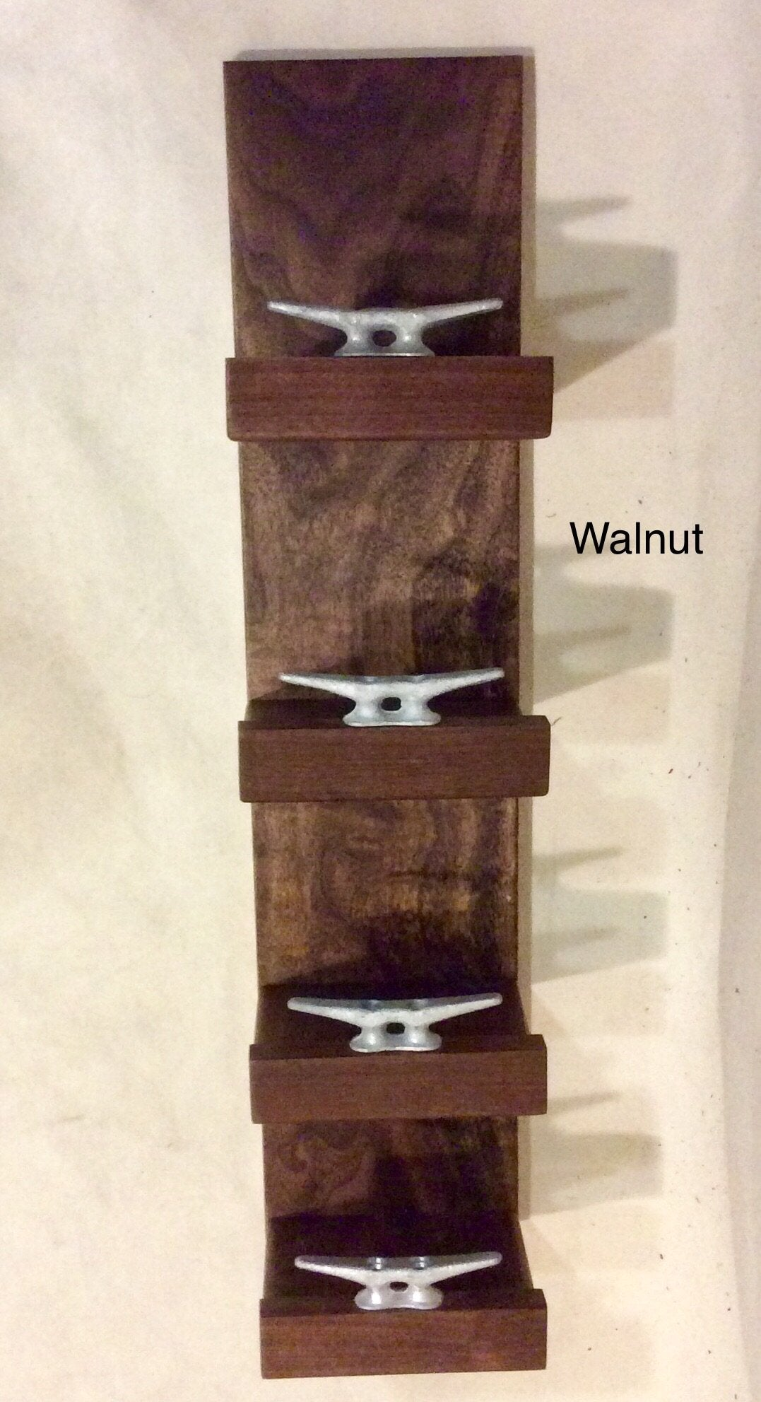Towel rack w/4 shelves