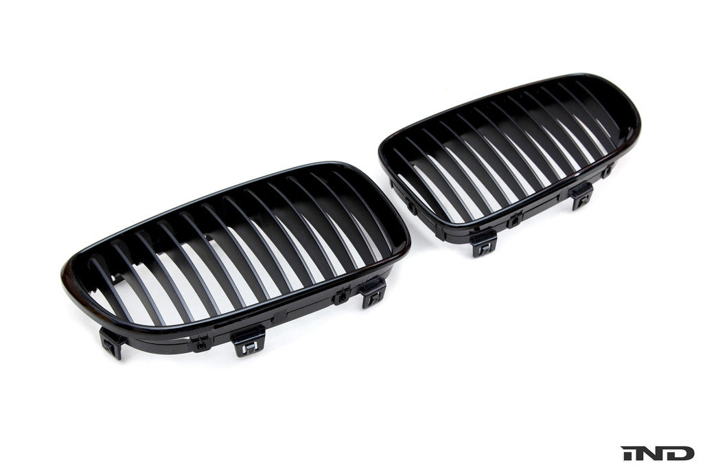 IND E82 1M Painted Front Grille Set 1