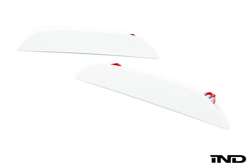 iND f90 m5 painted rear reflector set - iND Distribution