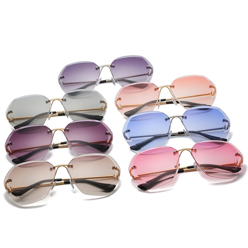 Evantikk Vintage/Retro Pink Sapphire Shade Butterfly Oversized Ladies Sunglasses - TiaraBleu