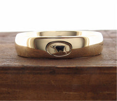 Yellow gold 5mm Gretna Green Anvil wedding ring front