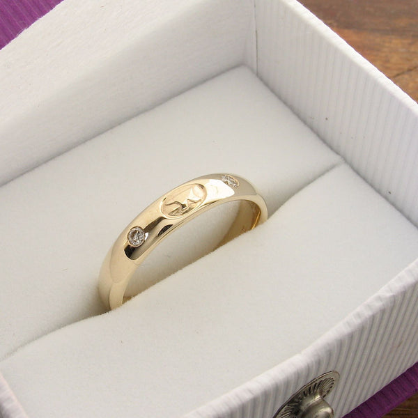 Gretna Anvil diamond yellow gold 4mm box