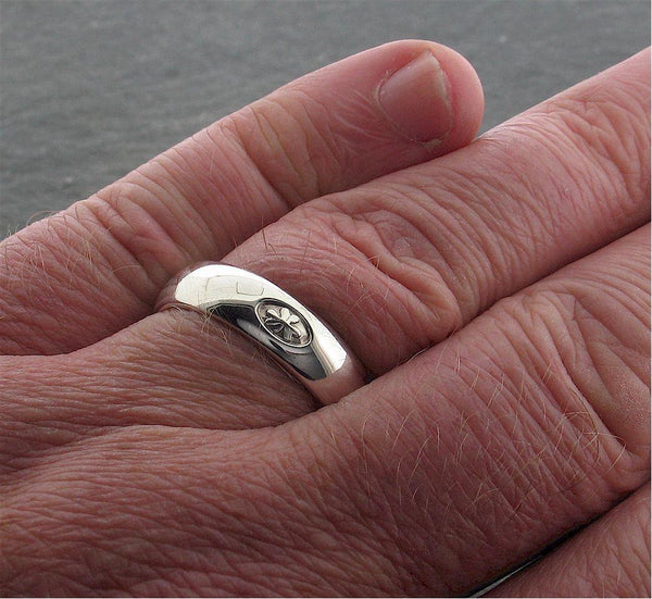 Irish Shamrock ring in silver handmade on a 6mm wide court band - Gretna Green Rings
