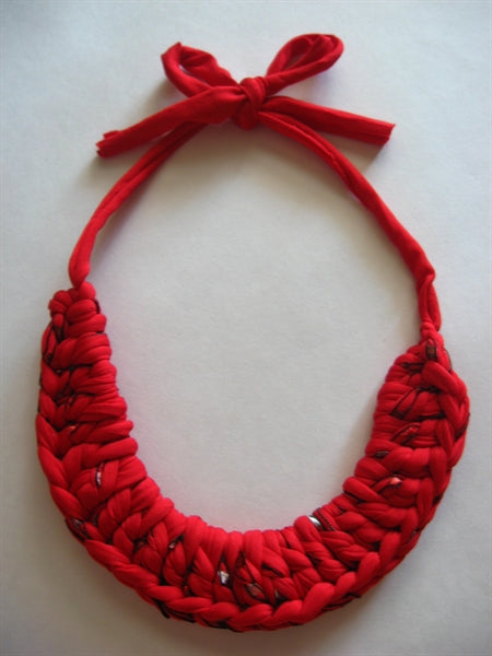 Crocheted T-Shirt Yarn Collar Necklace Pattern - Instant Digital Download